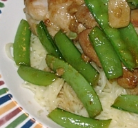 Healthy Garlic Chicken and Snow Peas